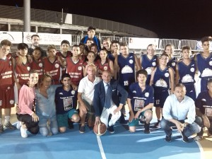 foto ricordo con l'assessore Nasso delle squadre Junior gara della 4^ giornata Torneo Tosarello