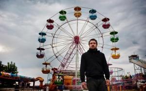 Claudio Santamaria in Lo Chiamavano Jeeg Robot_Luna Park