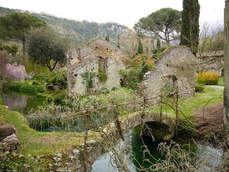 Giardino di Ninfa: Domenica, apertura straordinaria
