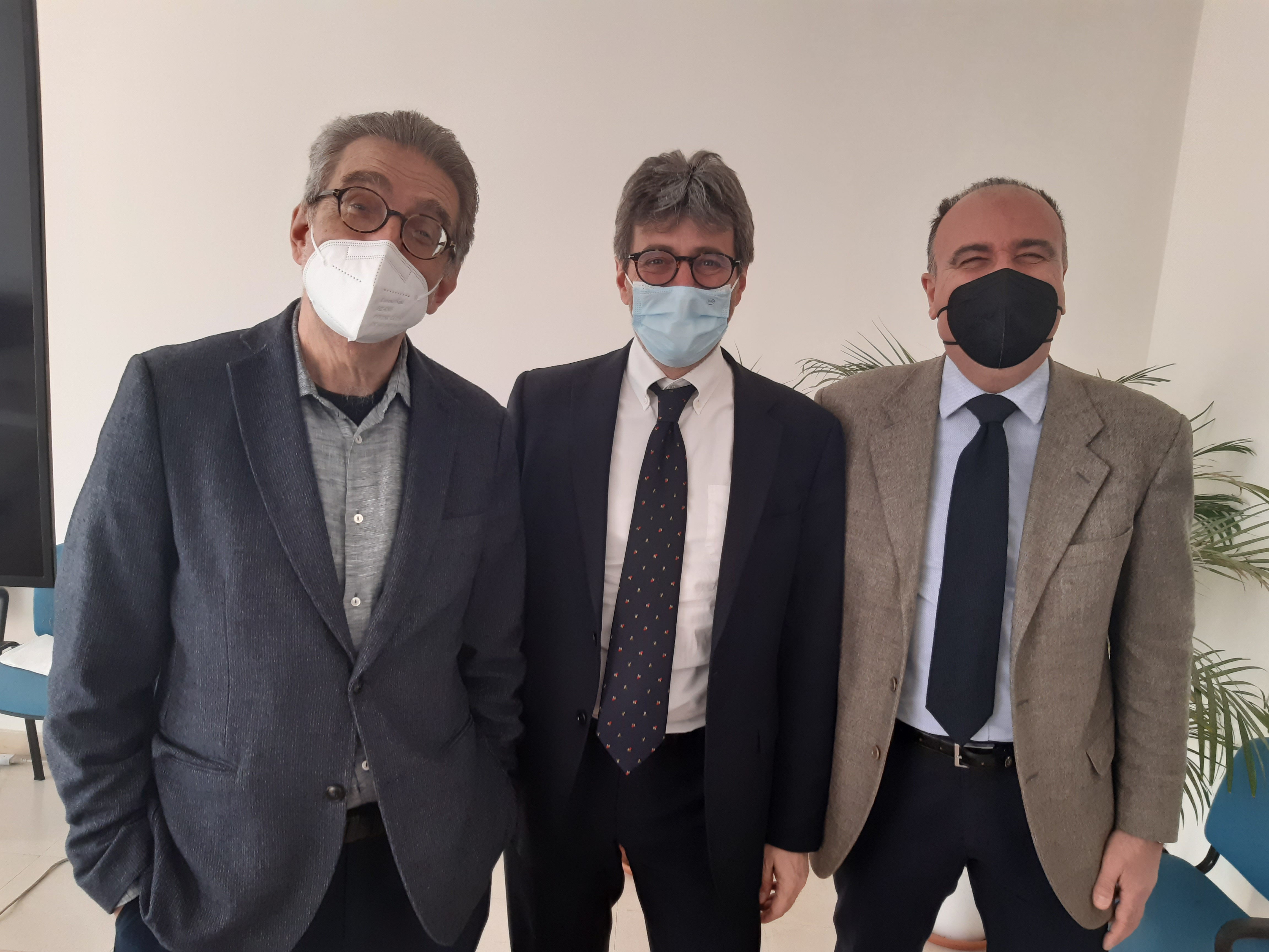 "Al ""Goretti "" i Pc di Tendi La Mano A.I.P.O.M. Onlus"